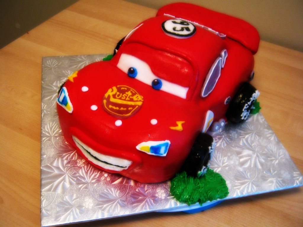Pictures of Lightning Mcqueen Cakes