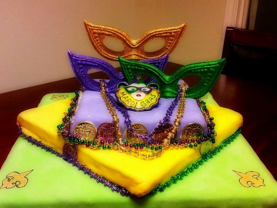 Pictures of Mardi Gras Cake