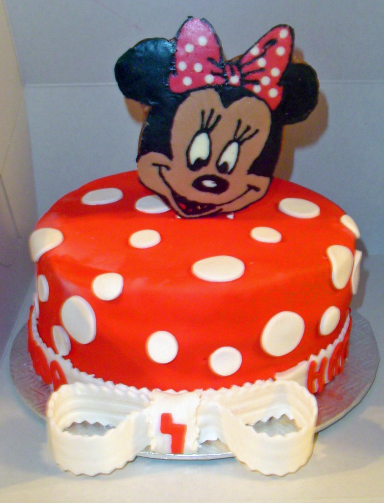 Pictures of Minnie Mouse Birthday Cakes