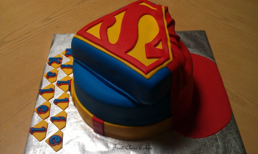 Pictures of Superman Cake