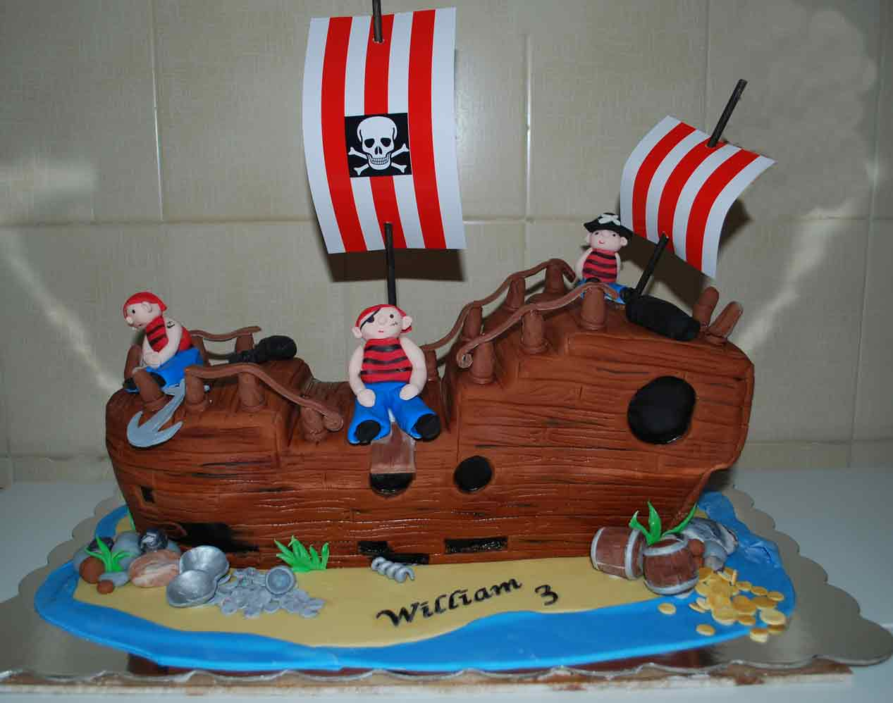 Amazing Pirate Cakes Decoration Ideas Little Birthday Cakes Birthday Cards Printable Riciscafe Filternl
