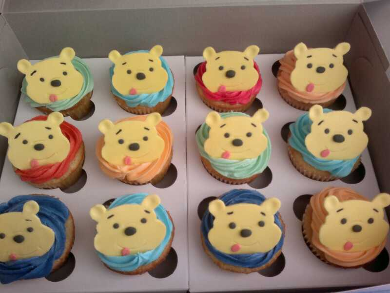 Winnie The Pooh Cakes and Cupcakes