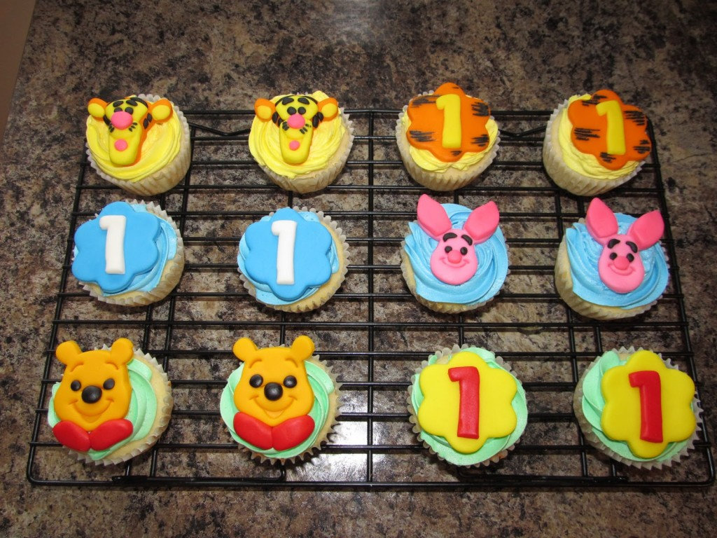 Winnie The Pooh Cupcake Cake