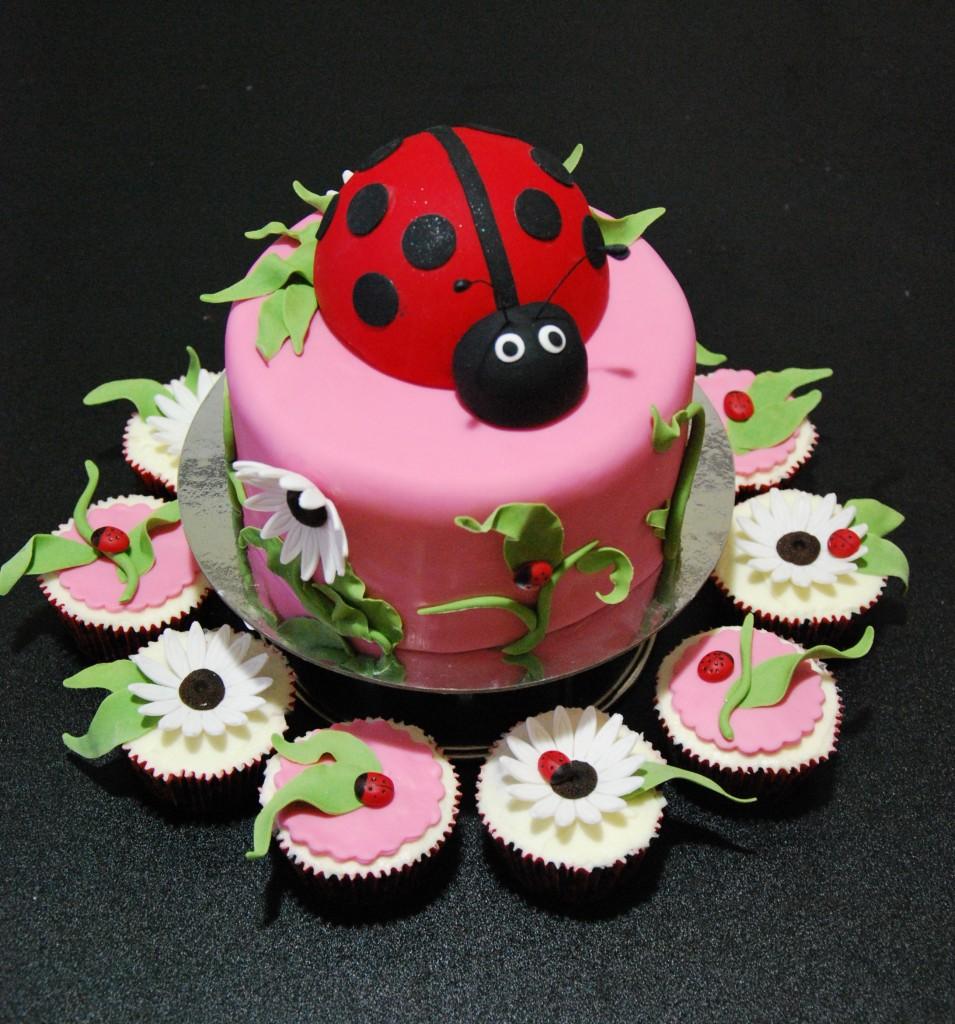 ladybug Cupcake Cakes