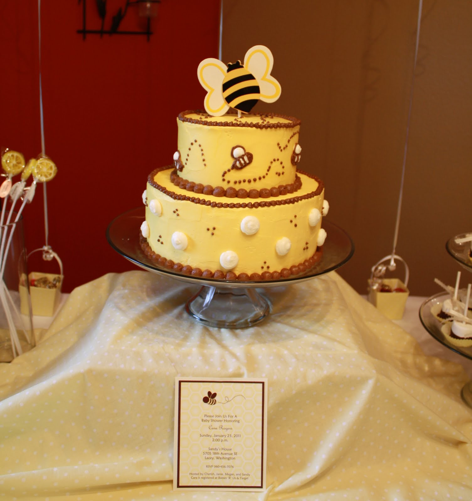 Pleasant Bumble Bee Cakes Decoration Ideas Little Birthday Cakes Personalised Birthday Cards Paralily Jamesorg