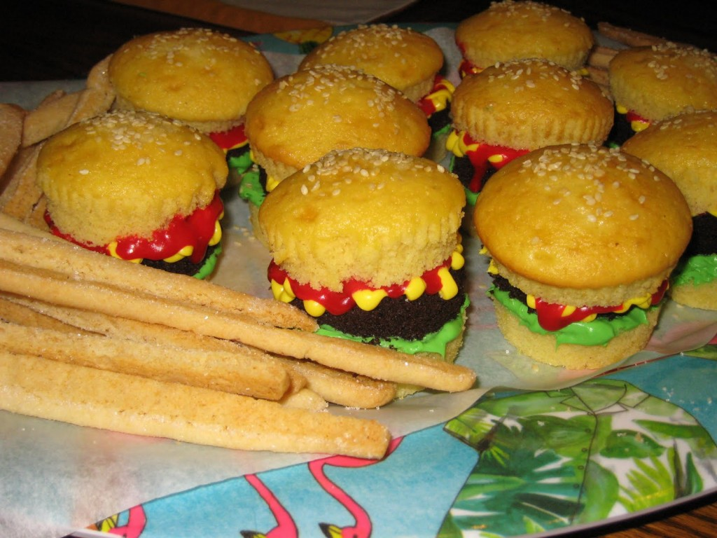 Hamburger Cup Cakes