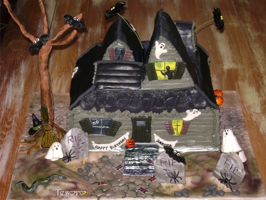 Haunted House Cake Pictures