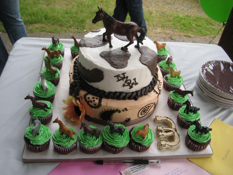 Horse Cupcake Cake Images