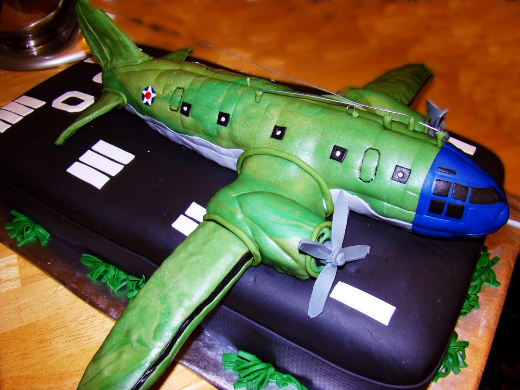 Images of Airplane Cakes