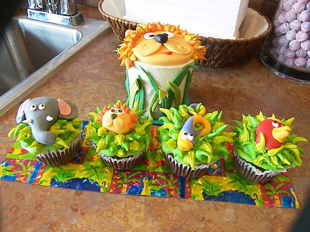 Jungle Animal Cupcake Cakes