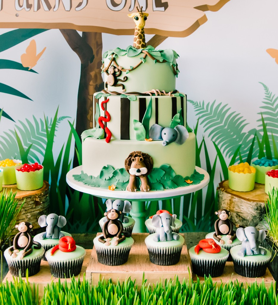 Jungle Animals Birthday Cake