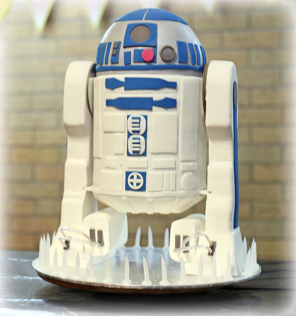 R2D2 Cakes