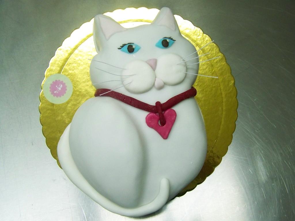 White Cat Cakes