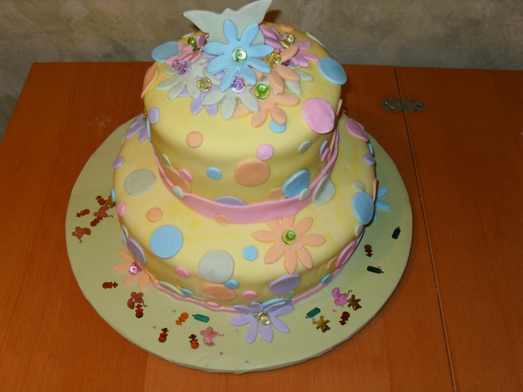 Pictures of Polka Dot Cakes