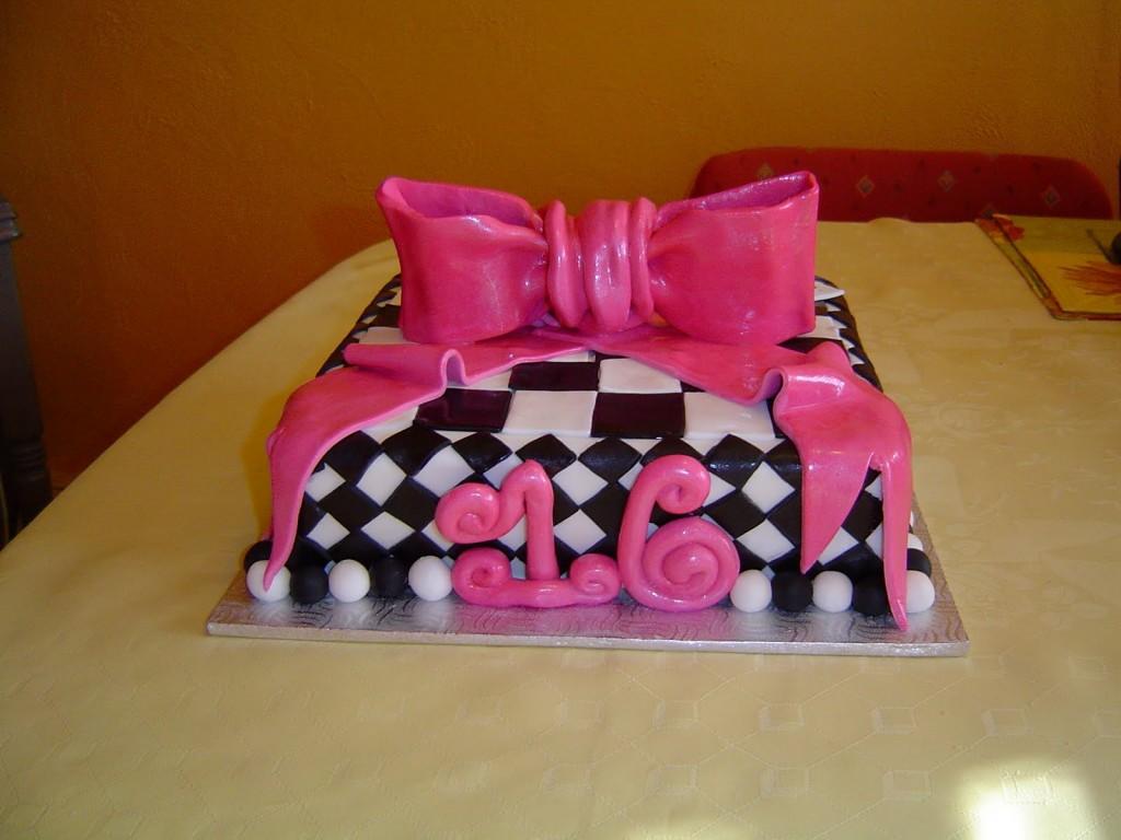 Sweet 16 Birthday Cakes For Girls