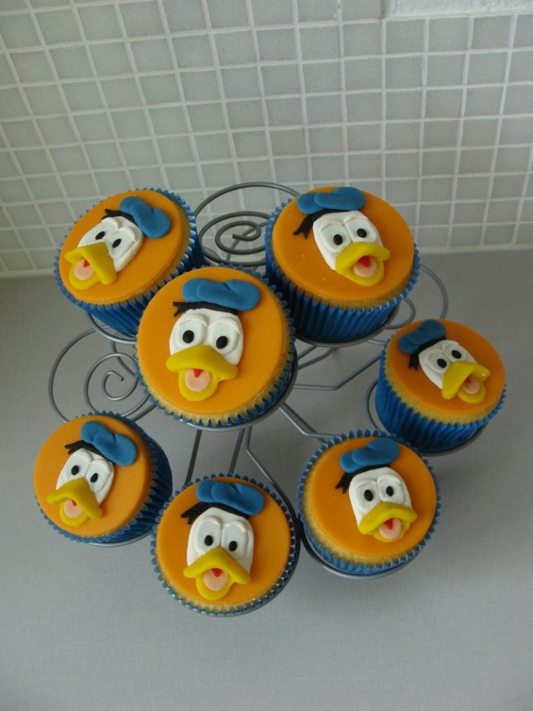 Donald Duck Cupcakes Cakes