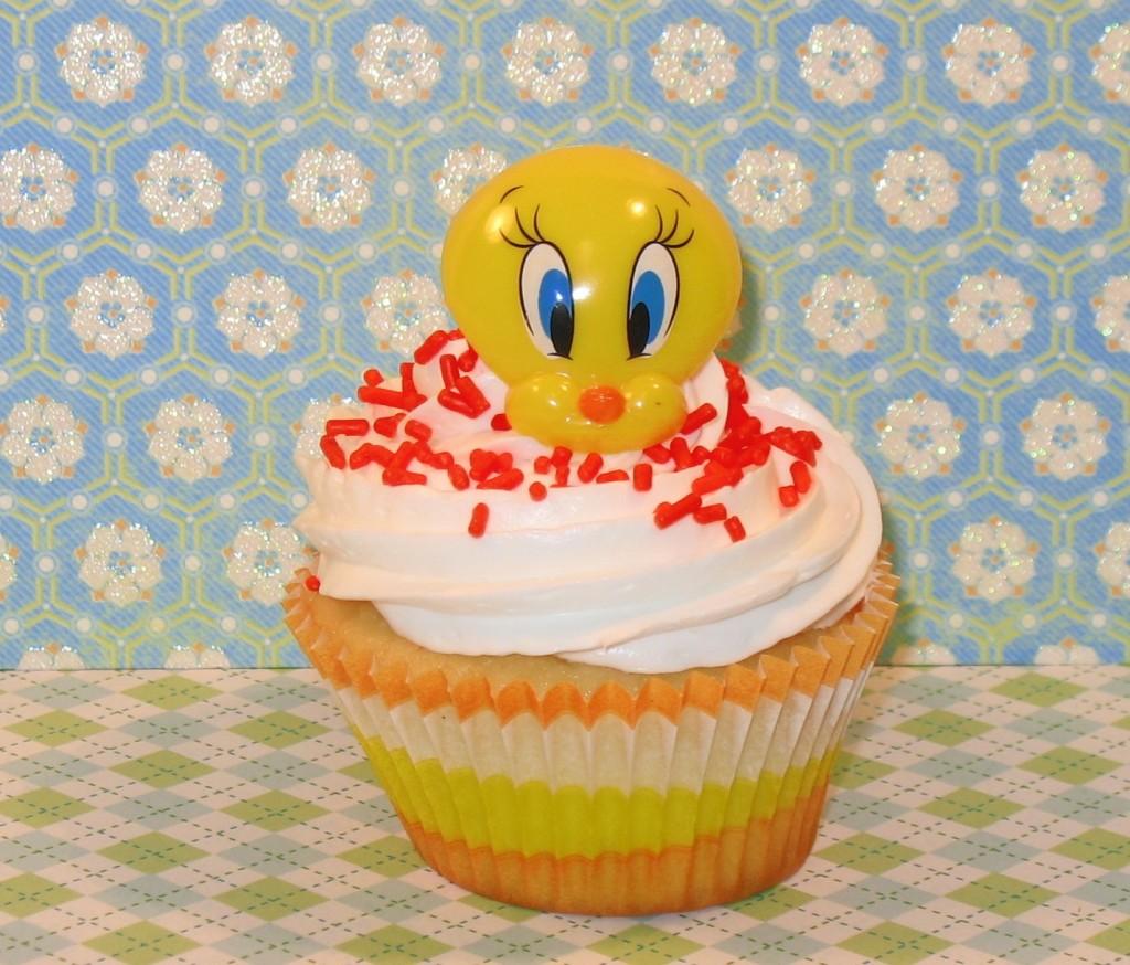 Tweety Bird Cupcake Cake