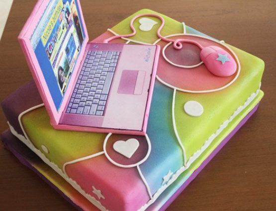 girls laptop cake
