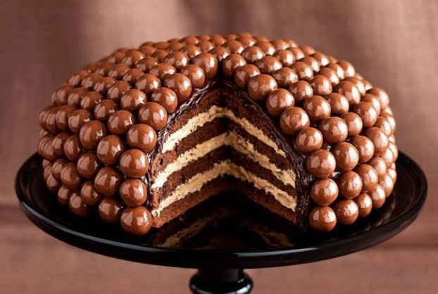 malteser cream chocolate cakes
