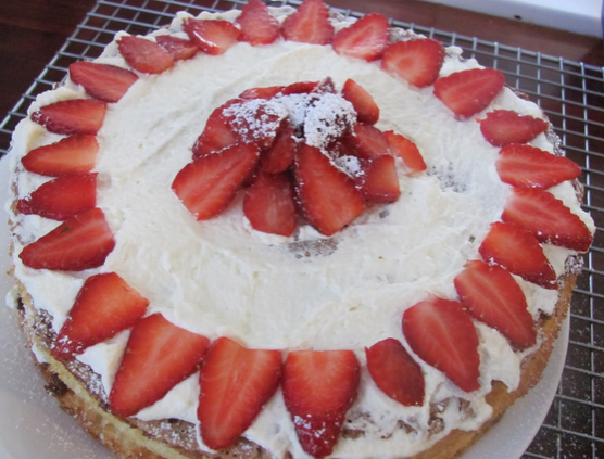 strawberry cake topping