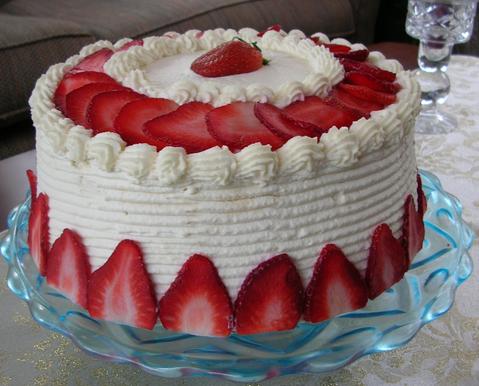 strawberry cream cake