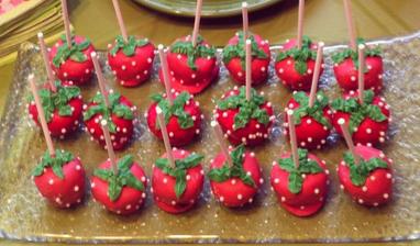 strawberry lolipop cake